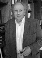 Макколл Смит, Александр
